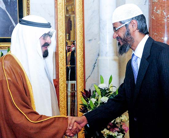 Dr Zakir Naik being welcomed by the Former Custodian of the Two Holy Mosques